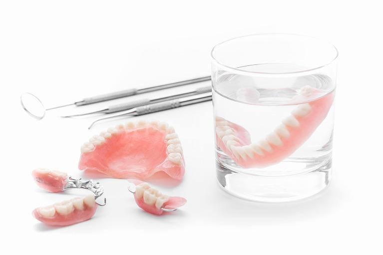 【入れ歯】食べる喜びを取り戻す入れ歯